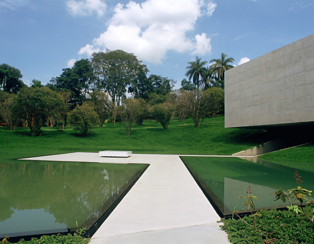 Galería Adriana Varejâo_3